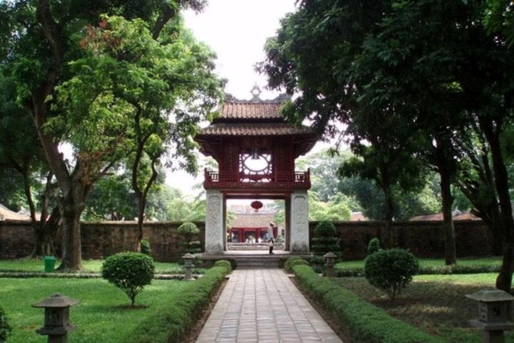 Le temple de littérature - Âme du Vietnam