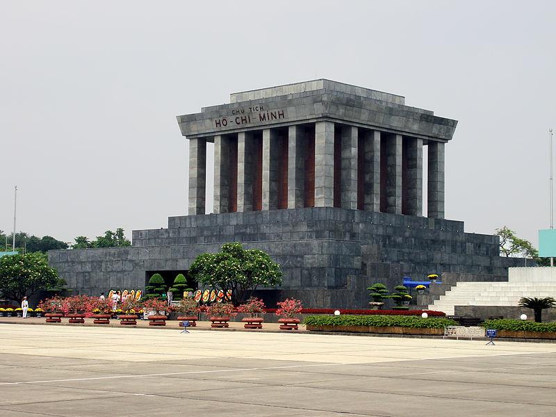 Le mausaulée de Ho Chi Minh - Âme du Vietnam