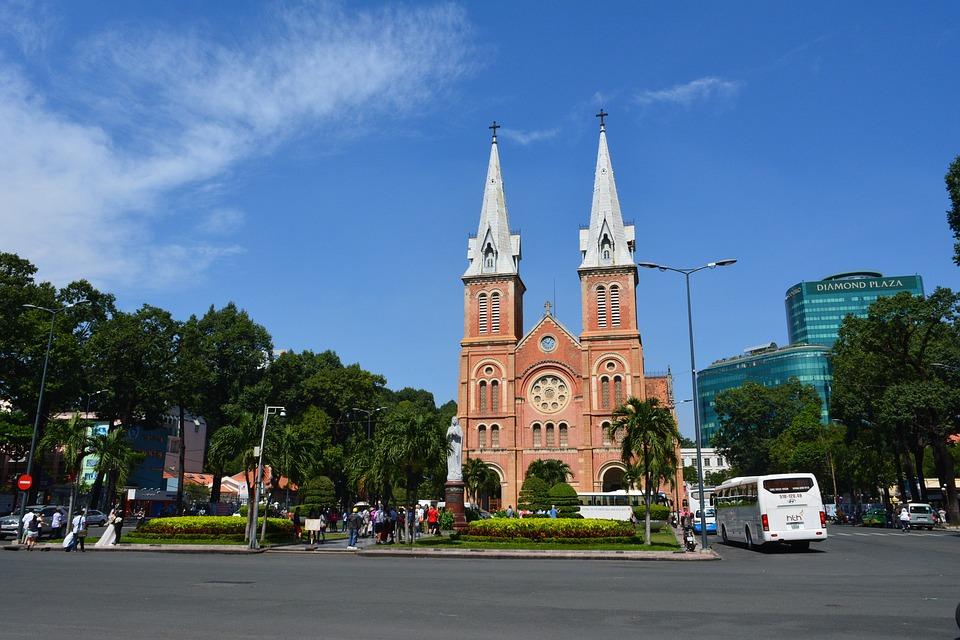 Cathédrale Notre-Dame Saigon - Âme du Vietnam