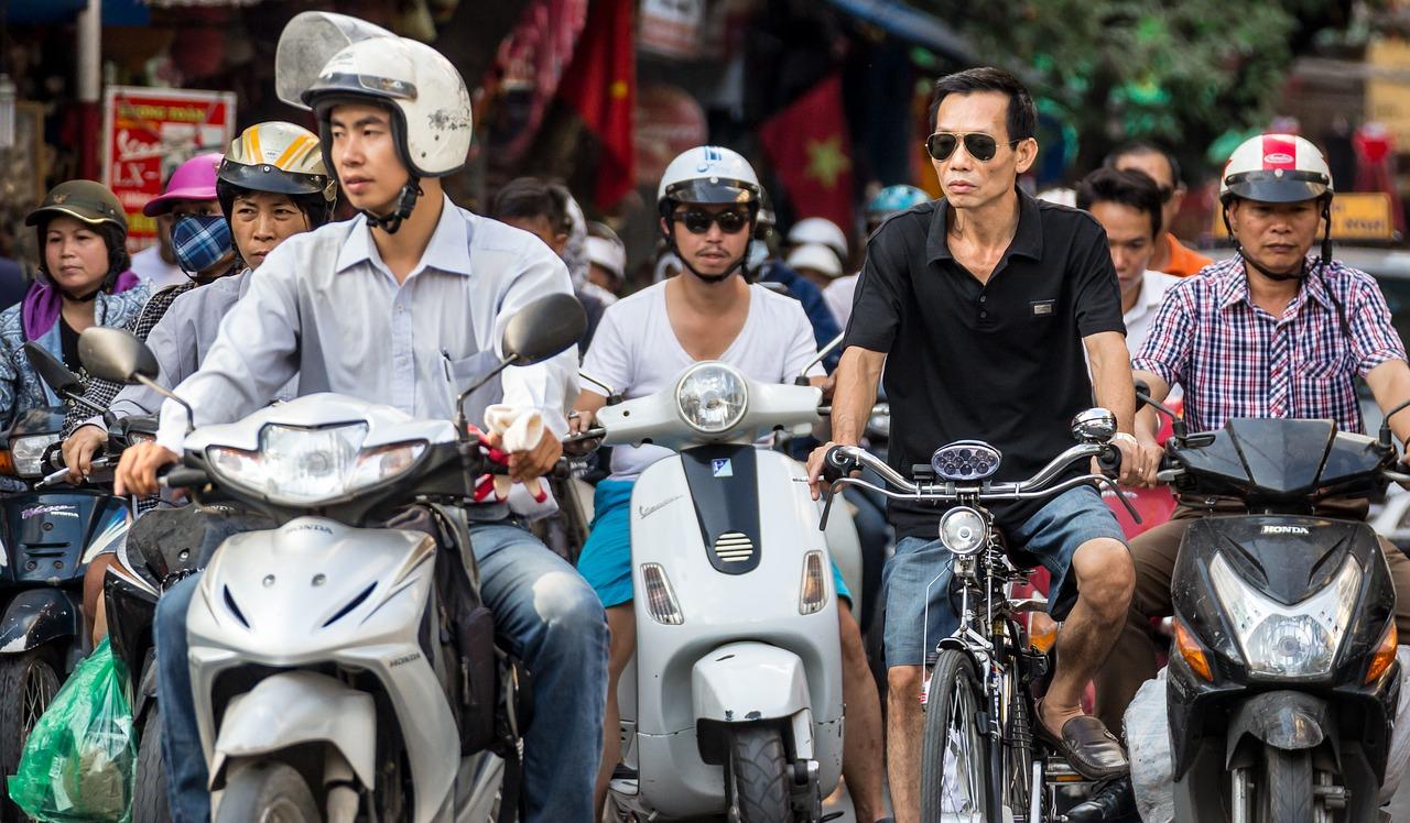 transport Hanoï - scooter - Âme du Vietnam