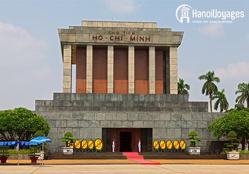 mausolee Ho Chi Minh - Vietnam en juillet - Âme du Vietnam