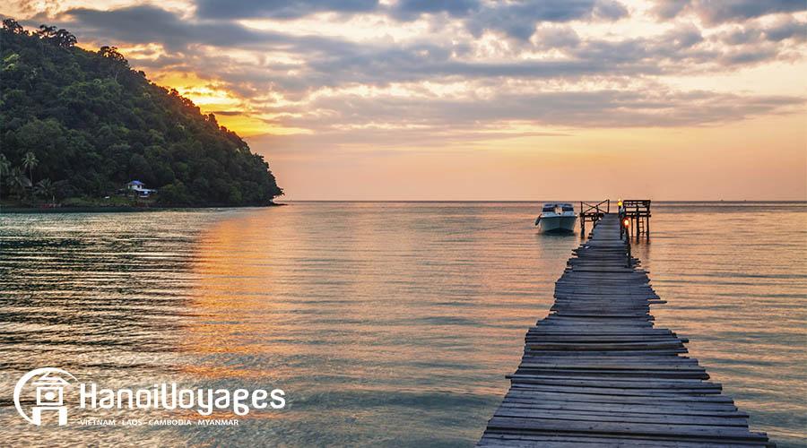 coucher du soleil à plage Phu Quoc - Vietnam en juillet - Âme du Vietnam