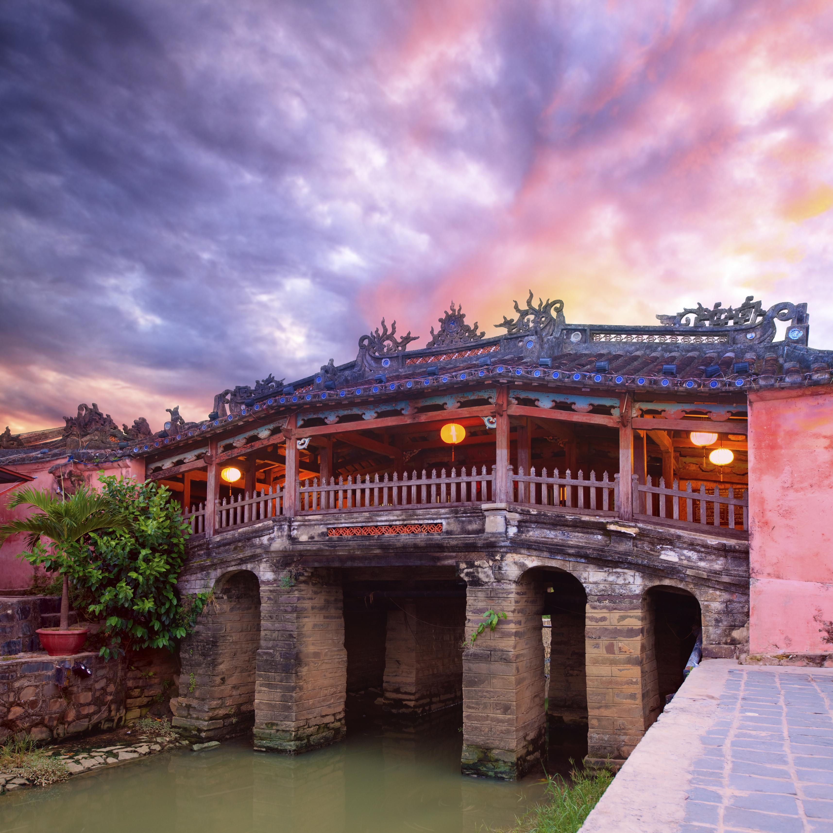 Photo d'un pont japonais à Hanoi