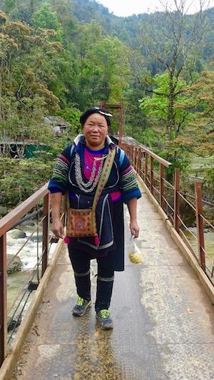 Hmong Noire rencontrée près de Sapa