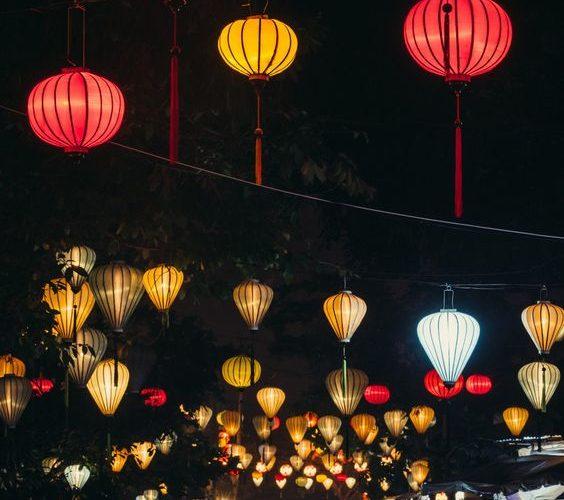 Rue de lanternes à Hoi An