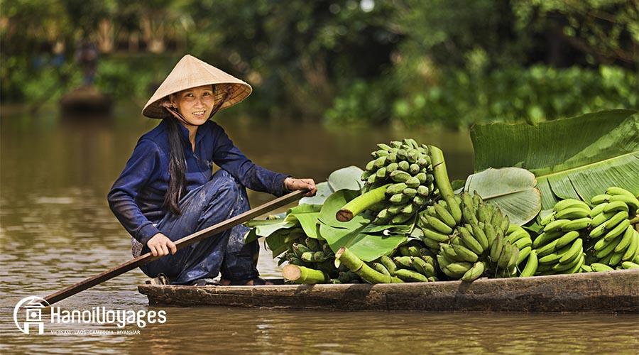 Delta du mékong - bateau femme bananes