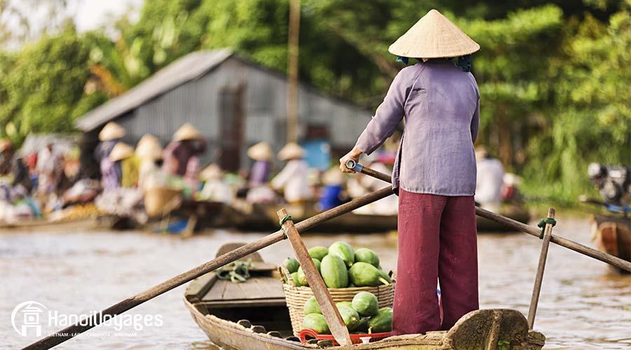Delta du mékong - bateau femme