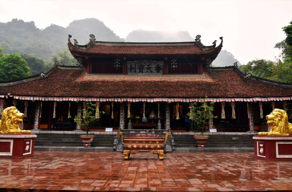 pagode des parfums montagnes