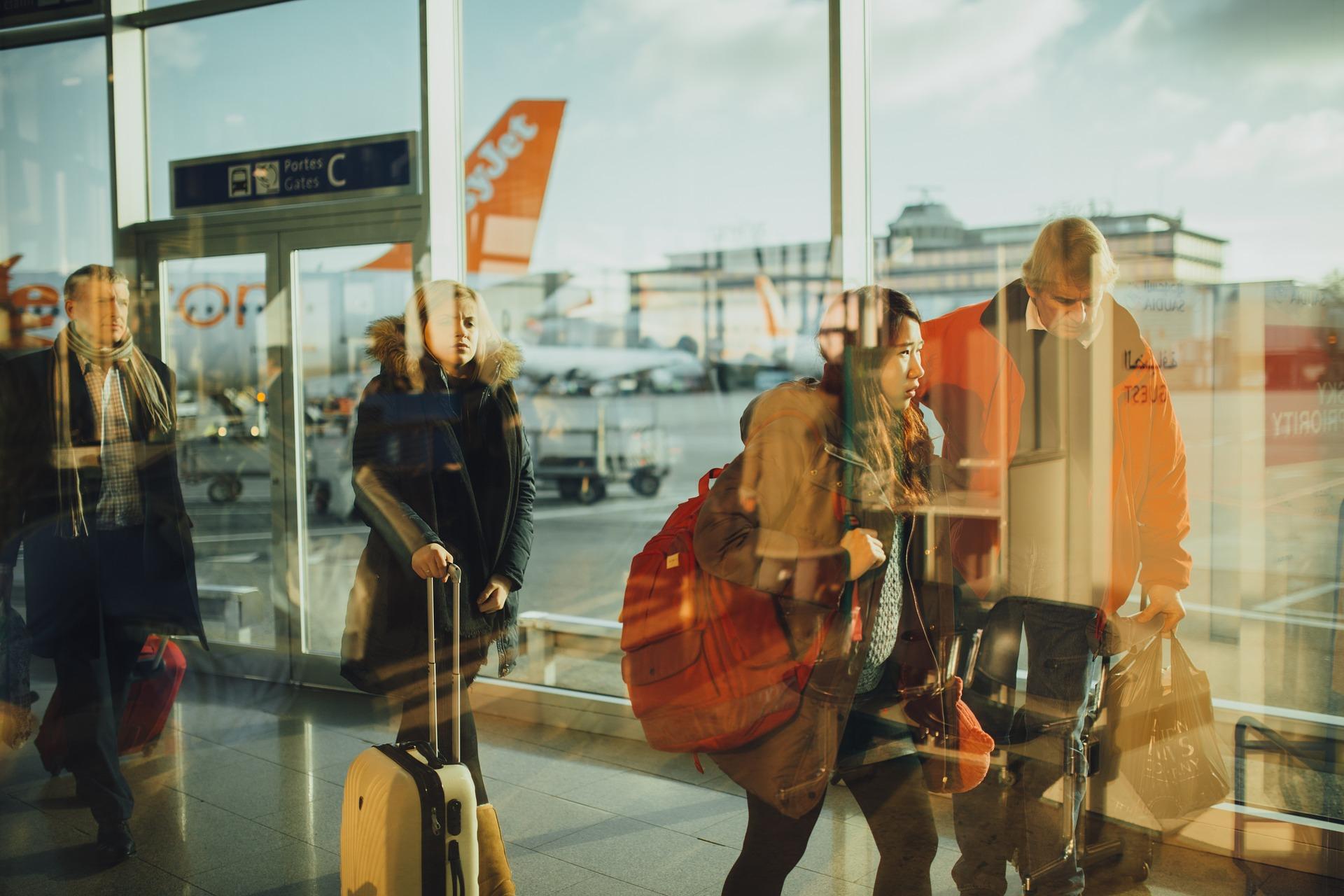 touriste à l'aeroport